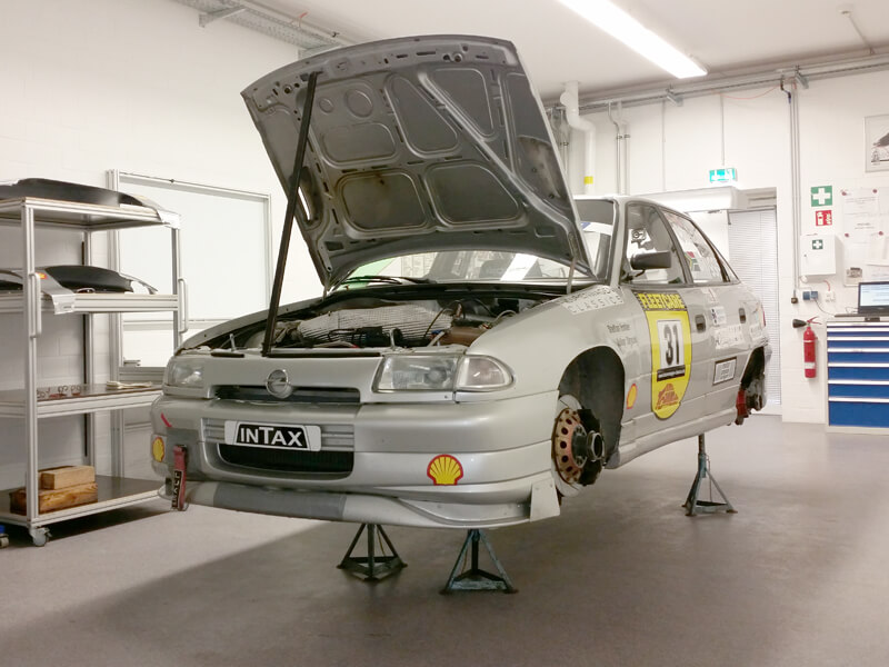 Construction and restoration of classic touring cars