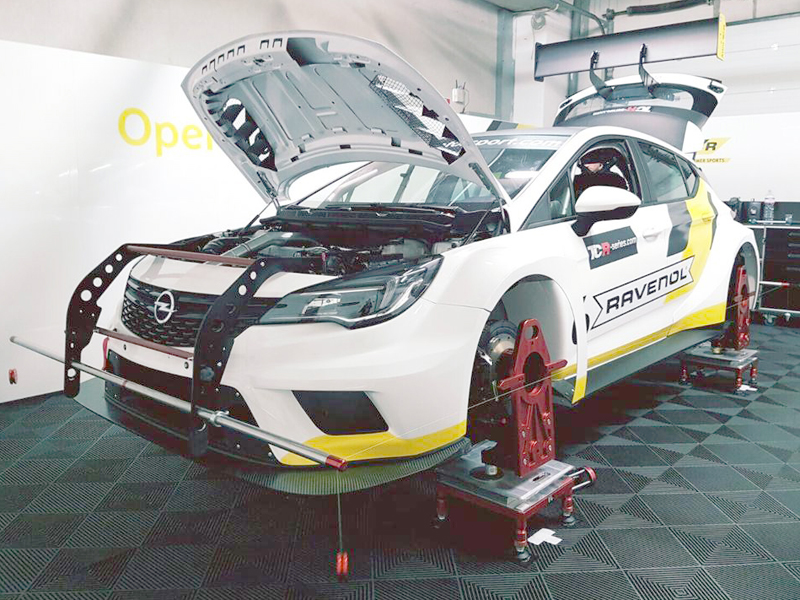 Motorsport wheel alignment / Opel Astra TCR