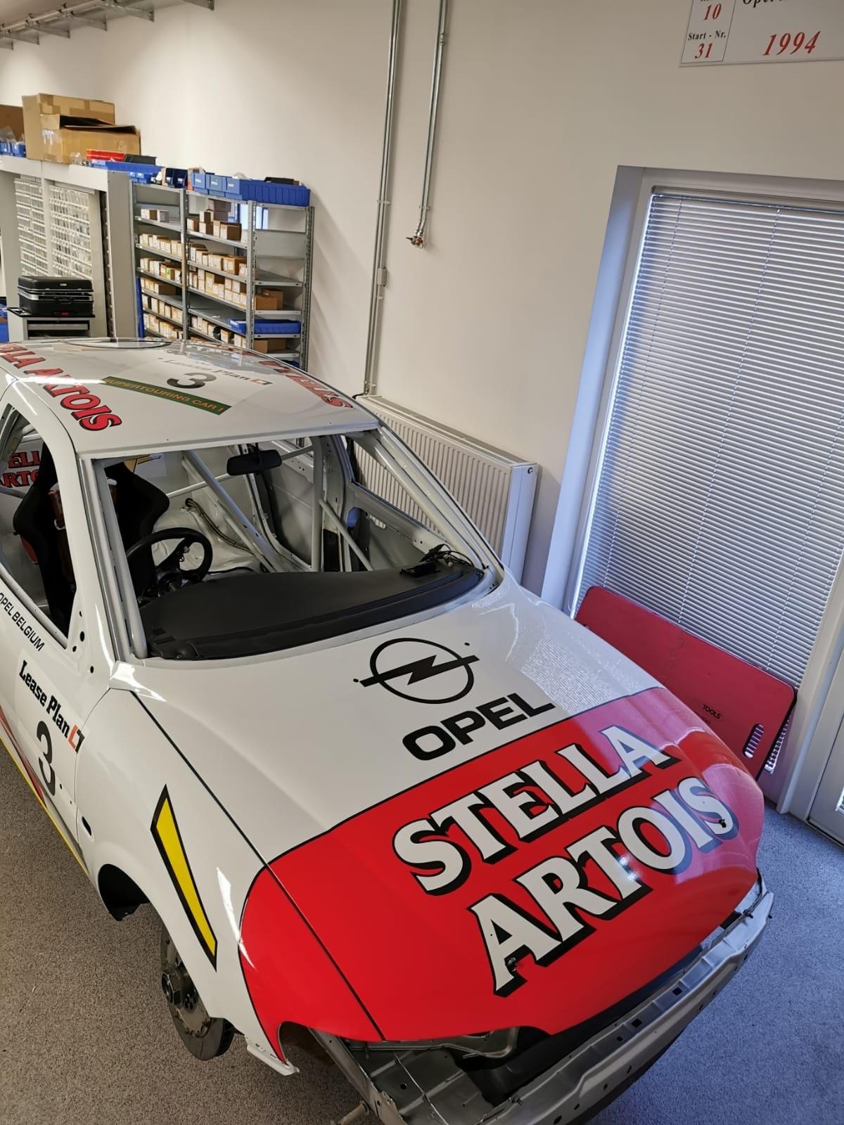 Opel Vectra Supertouring im Sponsorlook von Stella Artois