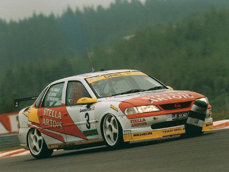 Opel Vectra Supertouring im 24 Stunden-Rennen vonSpa-Francorchamps 1996