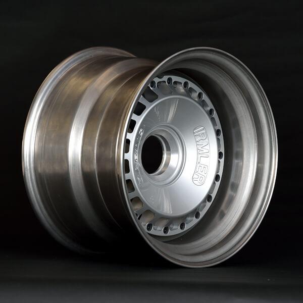 Irmler Racing Felgen 11 x 15 Zoll mit Zentralverschluss Ford