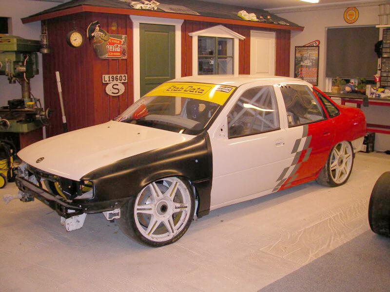 Aufwendige Auto-Restauration mit Reproduktion von Fahrzeugteilen